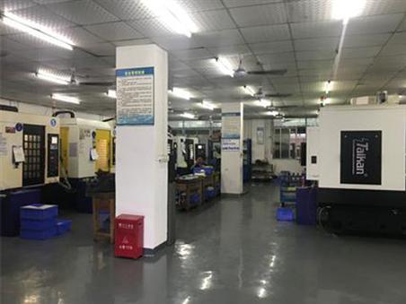骏荣加工厂:钻攻和高速加工中心的使用差别